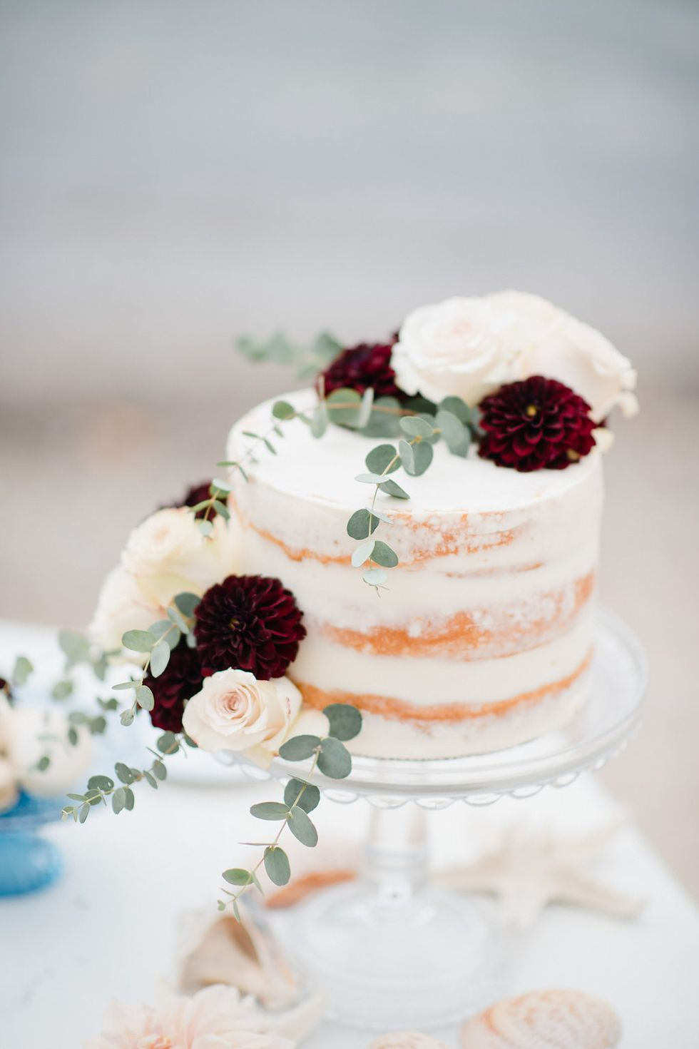 You Ll Fall In Love With These Autumn Wedding Cake Ideas In 2020 Fall Wedding Cakes Fall Themed Wedding Cakes Winter Wedding Cake