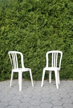 How To Clean White Plastic Deck Chairs Lovetoknow Plastic