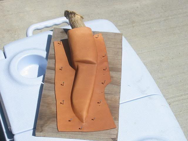 Making A Wetted Leather Knife Sheath Ron S Outdoor Blog Leather Holster Leather Diy Knife Sheath
