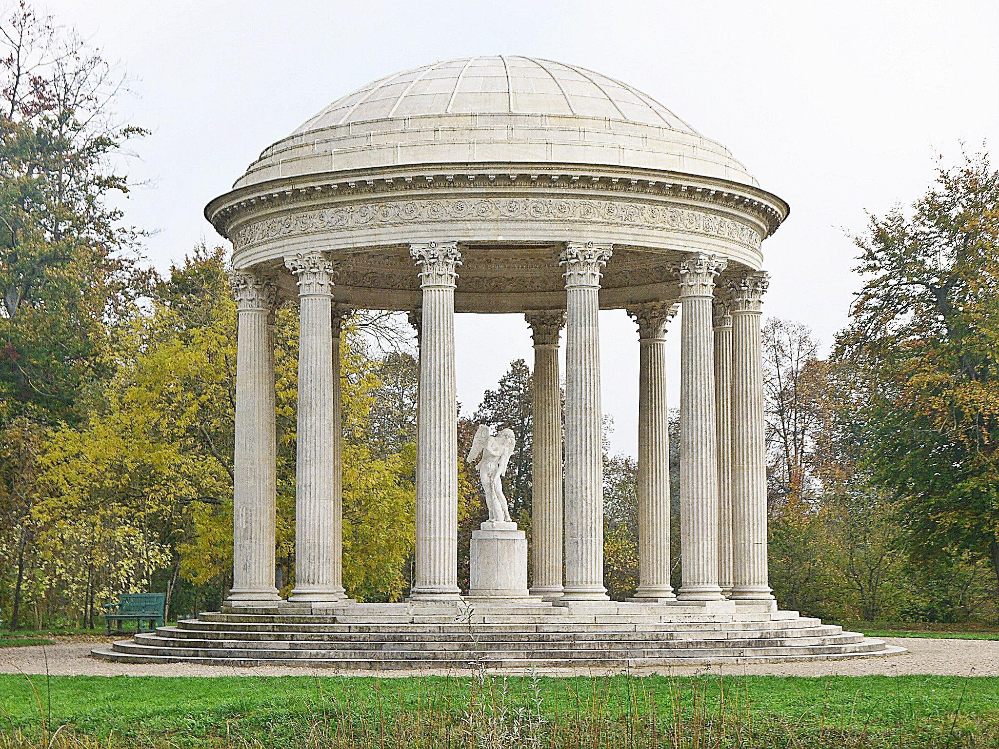 Versailles -  Le Temple de l'Amour