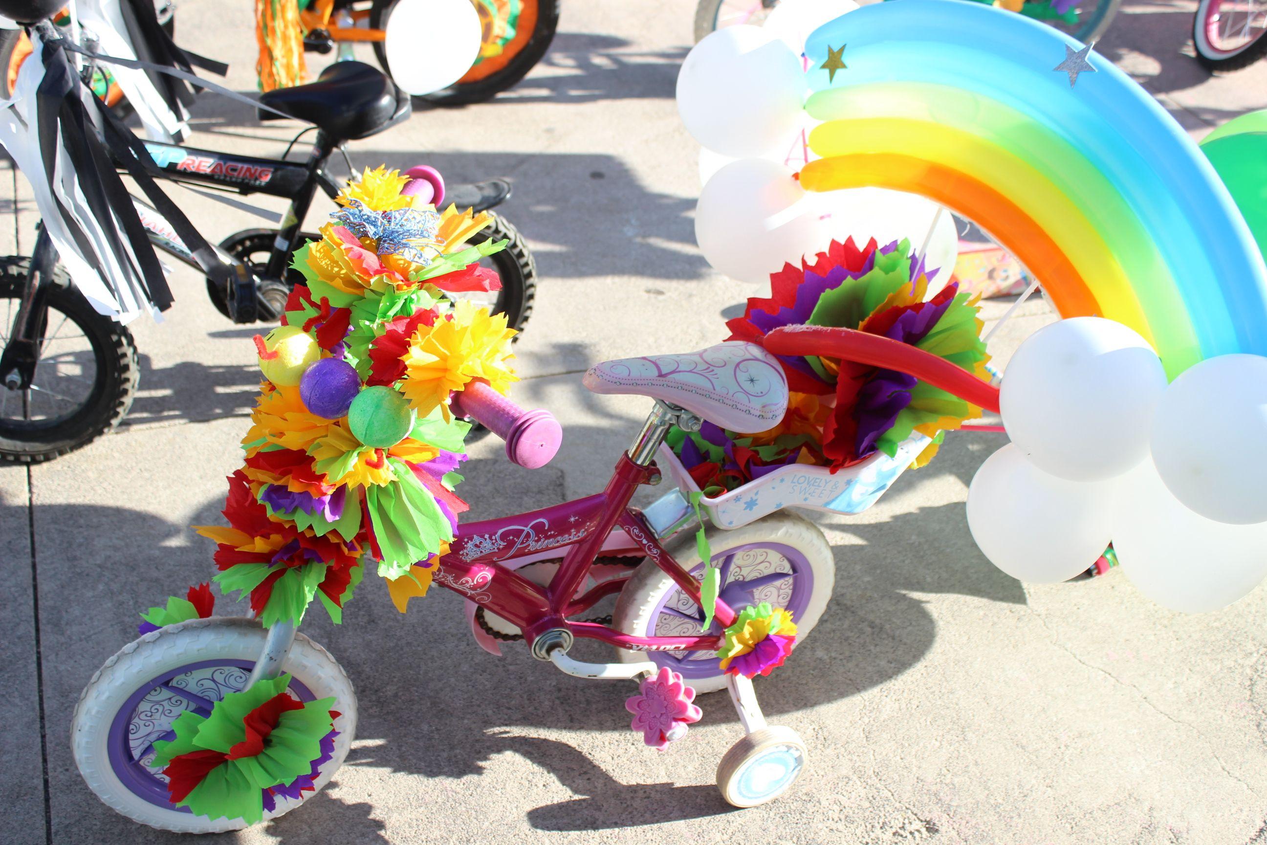 triciclo primavera arcoiris globos  ccded03c79e