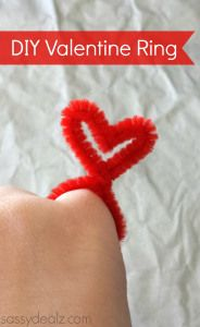 diy-valentine-pipecleaner-ring
