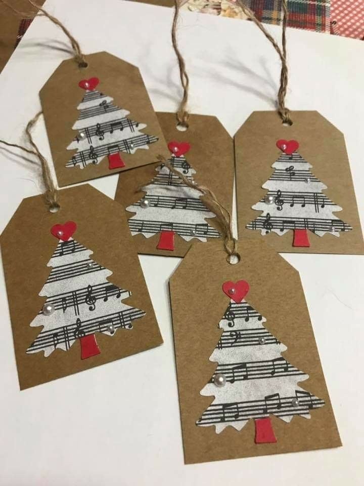 Cute handmade tags for Christmas gifts! #diychristmastags #christmastags #vintagechristmas #christmasdiy
