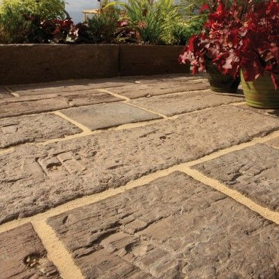 Bradstone Stonewood Log Sleepers Antique Brown 250 X 250 X 40 46 Per Pack Bradstone Paving Block Paving Patio Sleepers In Garden