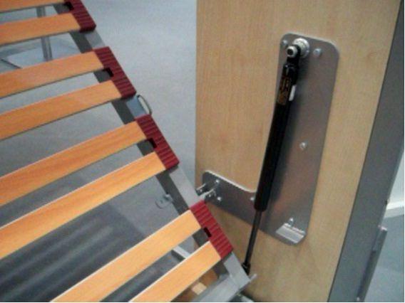 Hacer herrajes laterales de una cama abatible horizontal - Construir cama abatible ...