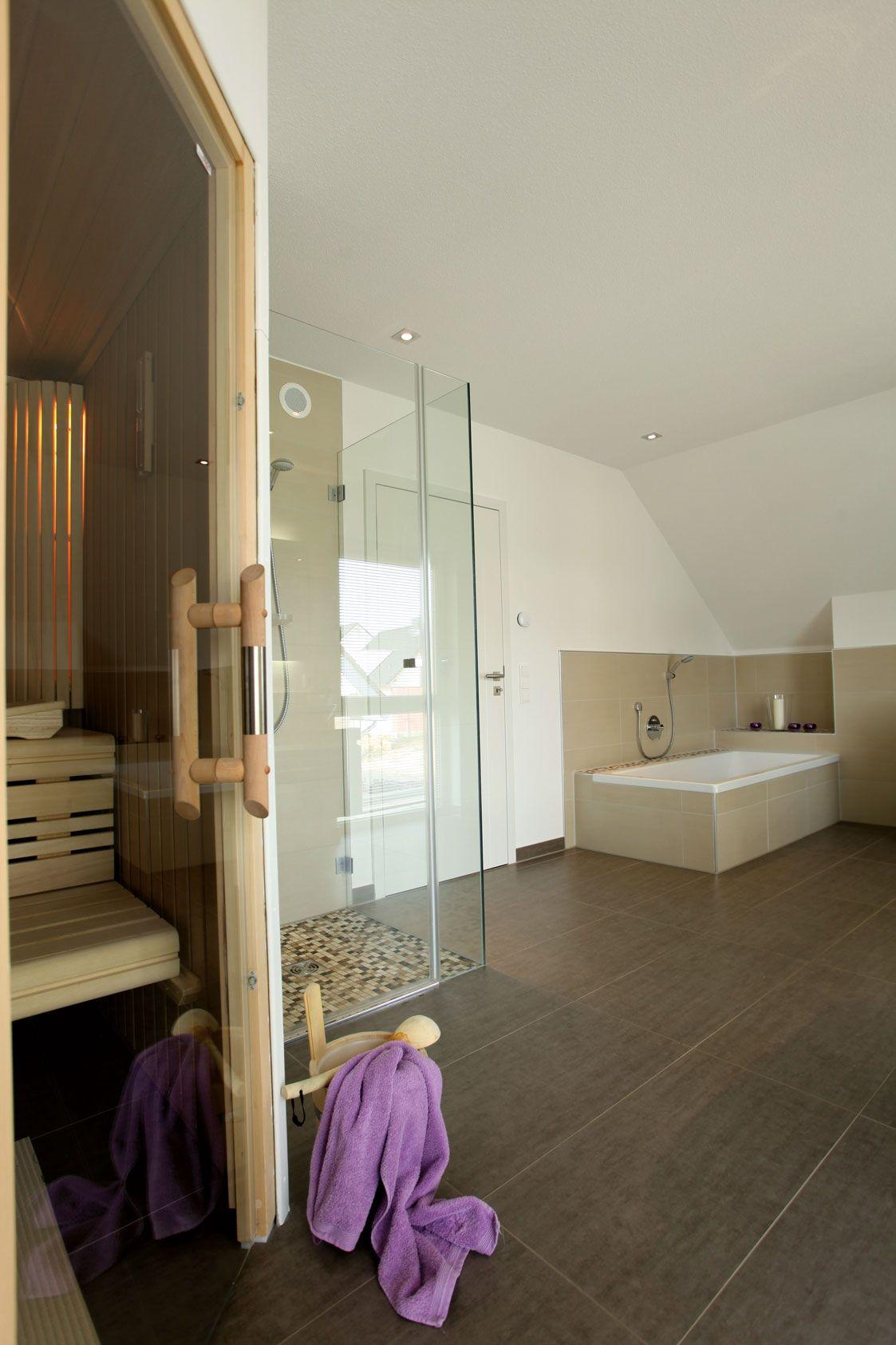Schon Wohnideen   Badezimmer Mit Sauna Und Dunklen Fliesen