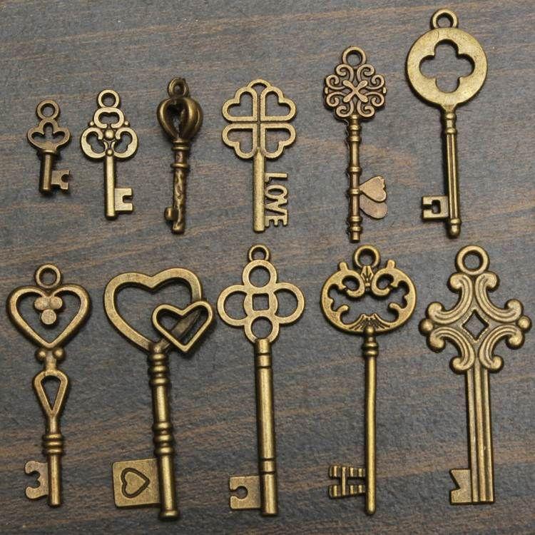 Ancienne Clef clef ancienne à finition dorée et modèles variés pour créer une