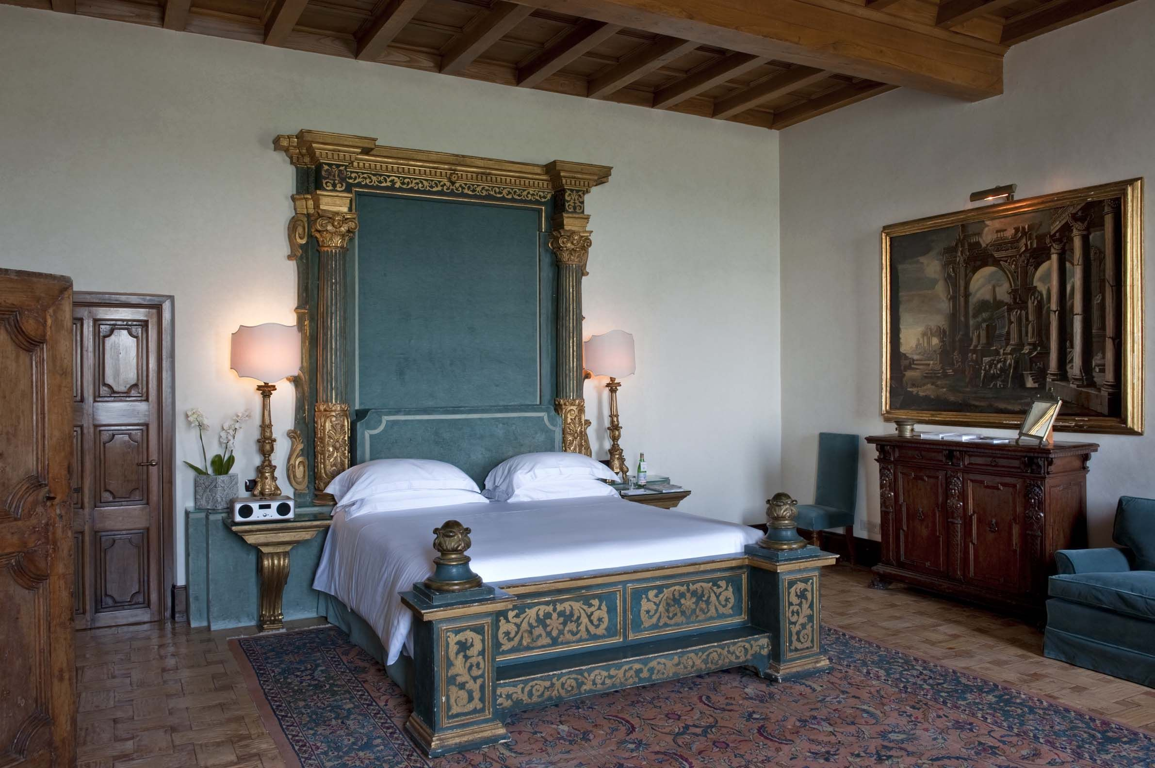 Jennifer aniston home interior medici master suite at la posta vecchia hotel  suite dreams