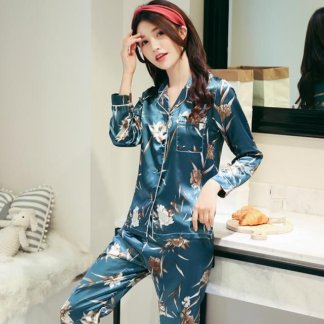 21b1178bd9 WAVMIT 2018 Women Comfortable Silk Pajama Set Girl Print Pyjama Set Long  Sleeve Sleepwear Suit Women Nightshirt Set Young Style