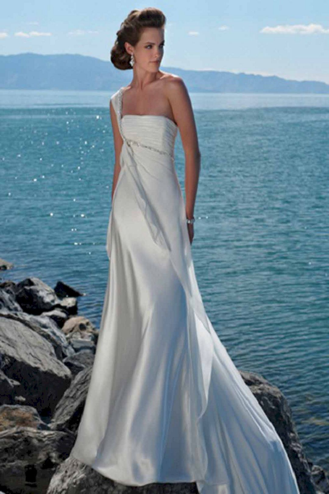 Wonderful summer beach wedding dresses for bride looks more