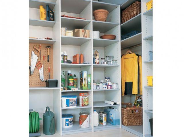 Nos Idees De Rangements Pour Le Garage Elle Decoration Rangement Garage Rangement Rangement Au Plafond