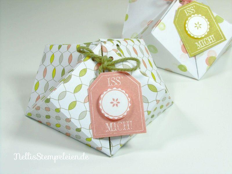 Eine Anleitung für eine kleine Geschenkschachtel, gefaltet aus dem neuen Stampin' UP! Designpapier Schlaflied. Sehr schnell und einfach nachzubasteln.
