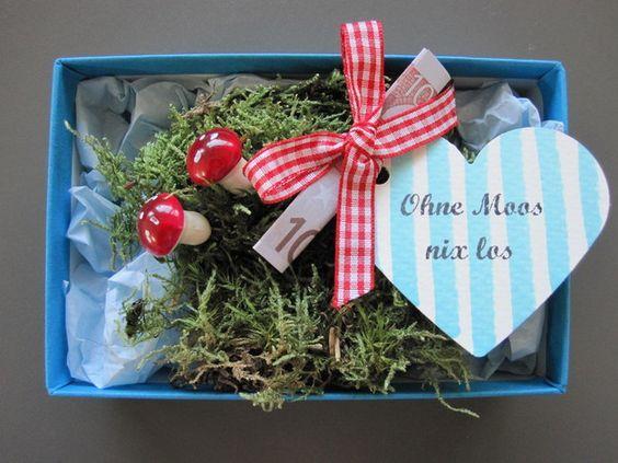 Ohne Moos nix los wer kennt das nicht, aber auf die Verpackung kommt es an! Das ideale Geldgeschenk für viele Anlässe! Jetzt auch als Weihnachtsbox erhältlich! Einfach den zusammengefalteten... #lustigegeschenke