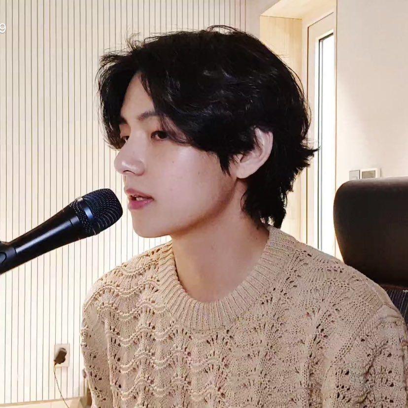 Pin By Nana On V 김태형 金泰亨 Kim Taehyung Bts Taehyung Taehyung
