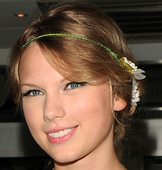 Taylor Swift Young | taylor-swift-young-hairstyle-