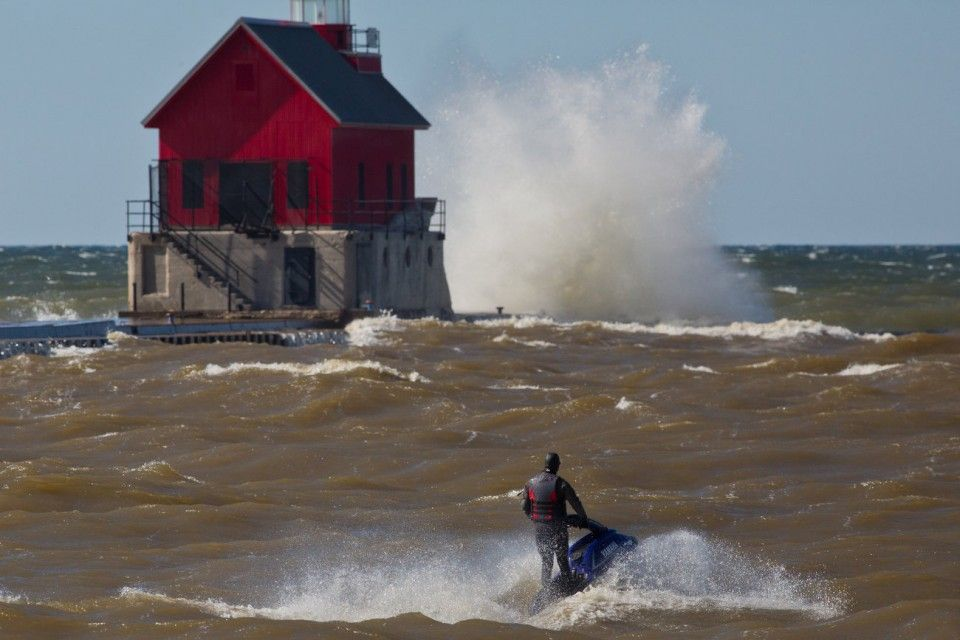 Gale kicks up big Lake Michigan waves; another gale warning issued