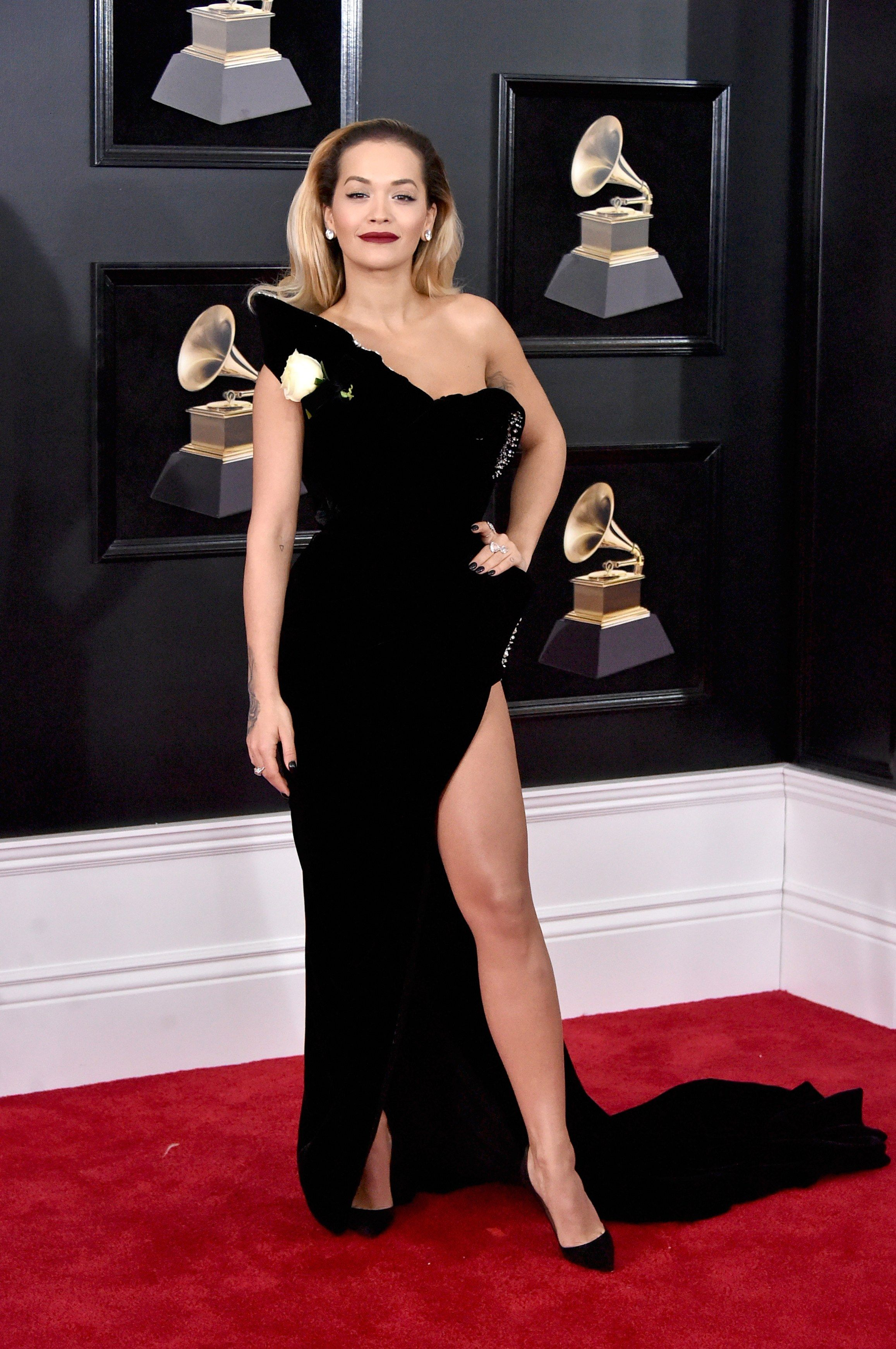 Grammy Awards 2018 Fashion Live From The Red Carpet In