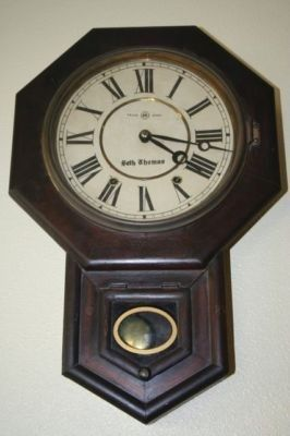 ANTIQUE SETH THOMAS WALL SCHOOLHOUSE DROP OCTAGON CLOCK ANTIQUE