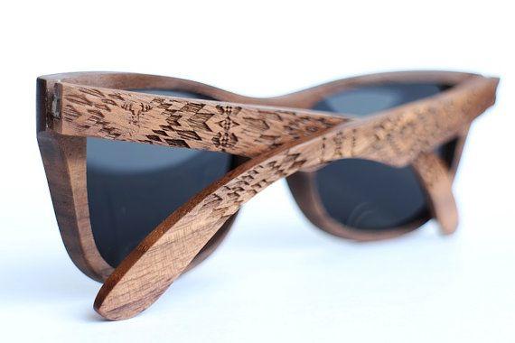 Lunettes De Soleil En Bois De Noyer Par Woodeer Collection Pattern Wooden Sunglasses Wood Sunglasses Wooden Glasses