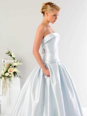 ...  Heiraten in berlin, Brautmode berlin och Hochzeitskleid berlin