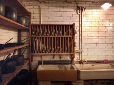 Scullery Victorian Kitchen Sinks Drying-Racks | T - Castle ...