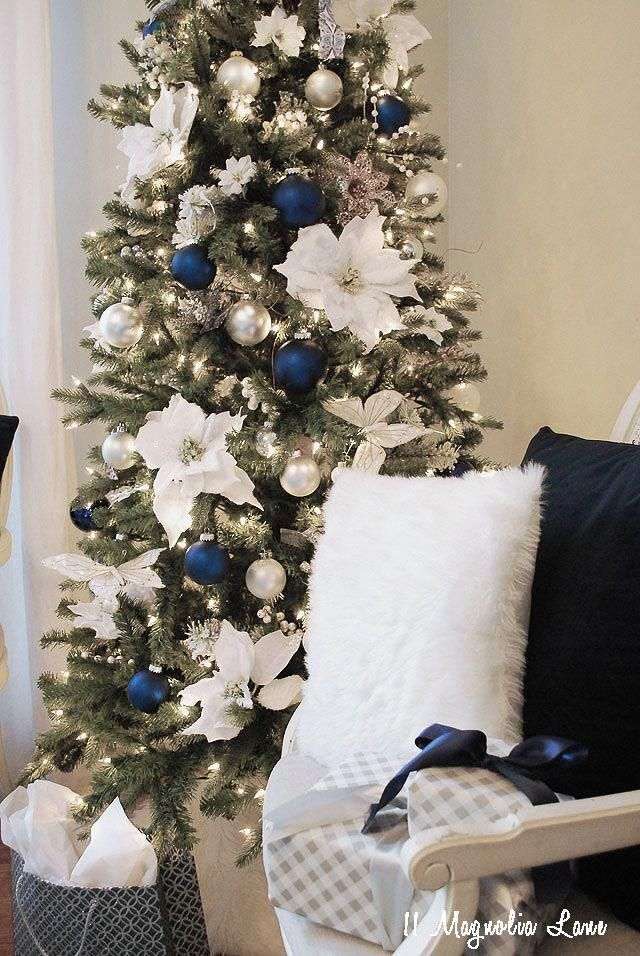 Christmas Tree Color Theme White Silver And Navy Blue Christmasdecorideas With Images Blue Christmas Tree Decorations Silver Christmas Tree