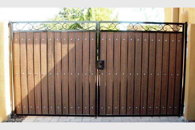 Decorative Straight Top Rv Gate Wood Gate Wrought Iron Driveway Gates Driveway Gate Diy