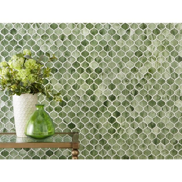 Emerald City Arabesque Glass Mosaic In 2020 Green Mosaic Tiles Mosaic Glass Green Tile Backsplash