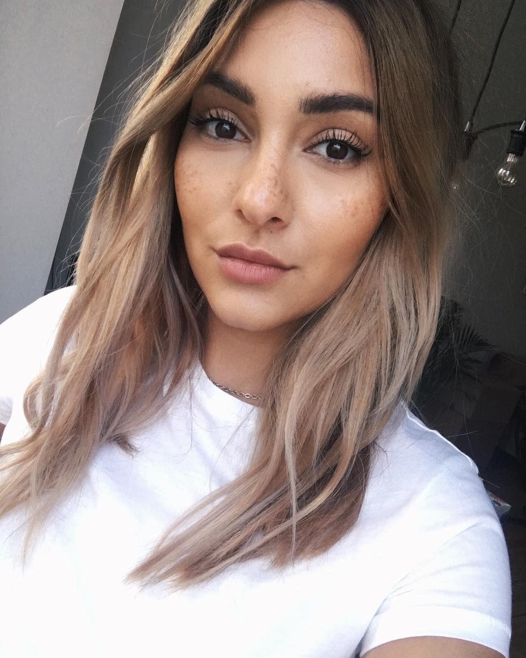Gefallt 2 361 Mal 36 Kommentare Madametamtam Madametamtaaam Auf Instagram Plain White T Haare Kurze Haare Dunkelbraune Haare