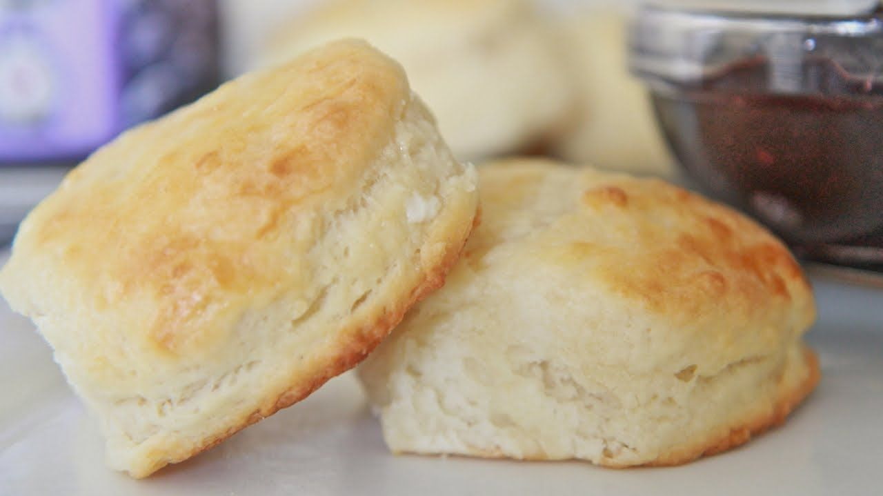 Fluffy Southern Buttermilk Biscuits Recipe Made With White Lily Selg Rising Flour Butter B Southern Buttermilk Biscuits Biscuit Recipe Homemade Biscuits