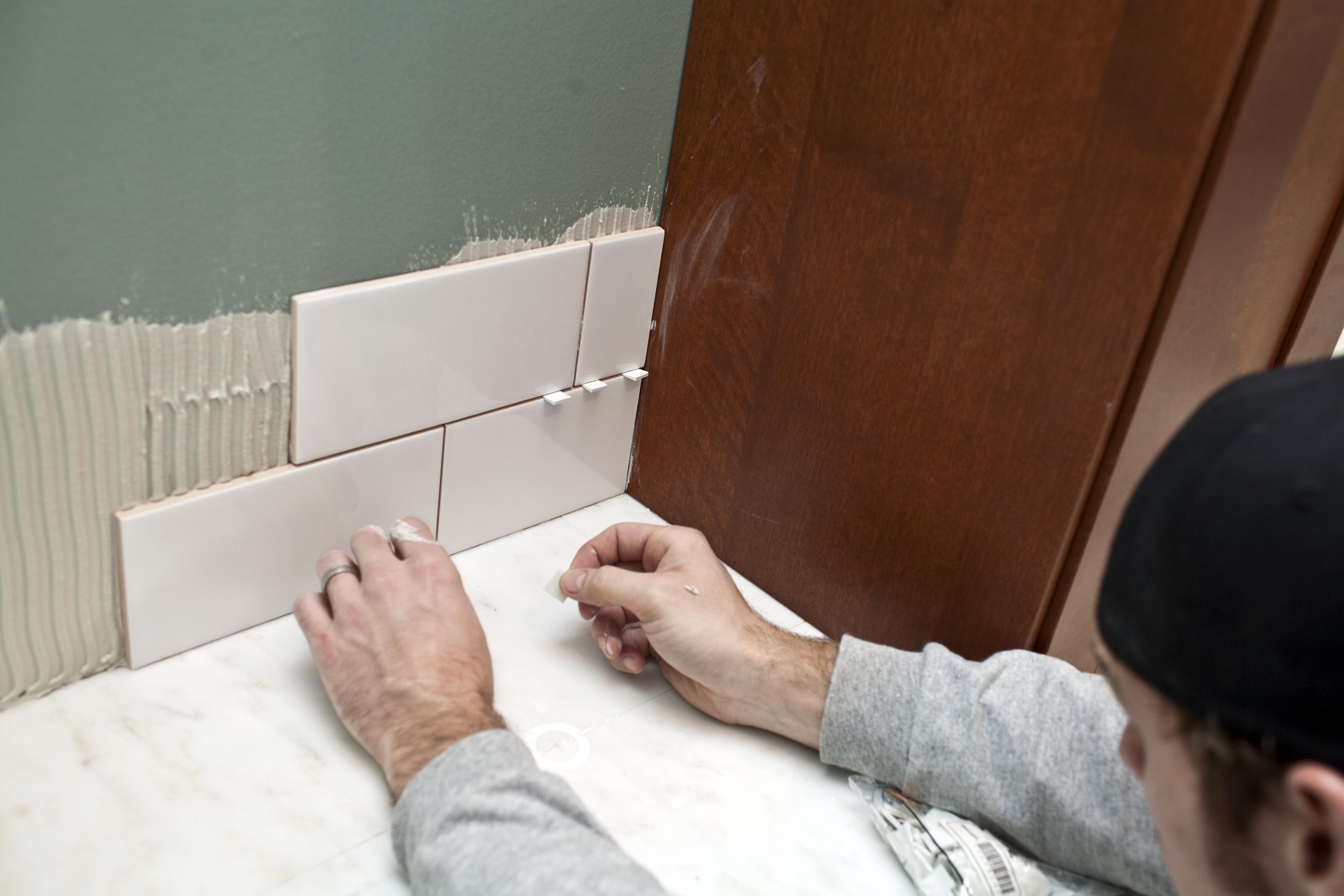 Diy Wall Tile Installation Diy Kitchen Diy Diy Wall