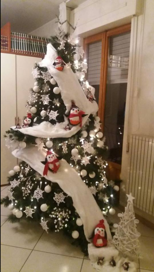 Winter Christmas Tree Idea Penquins Snow Skiing Down The Tree Diy Christmas Tree Snowman Christmas Decorations Christmas Tree Themes