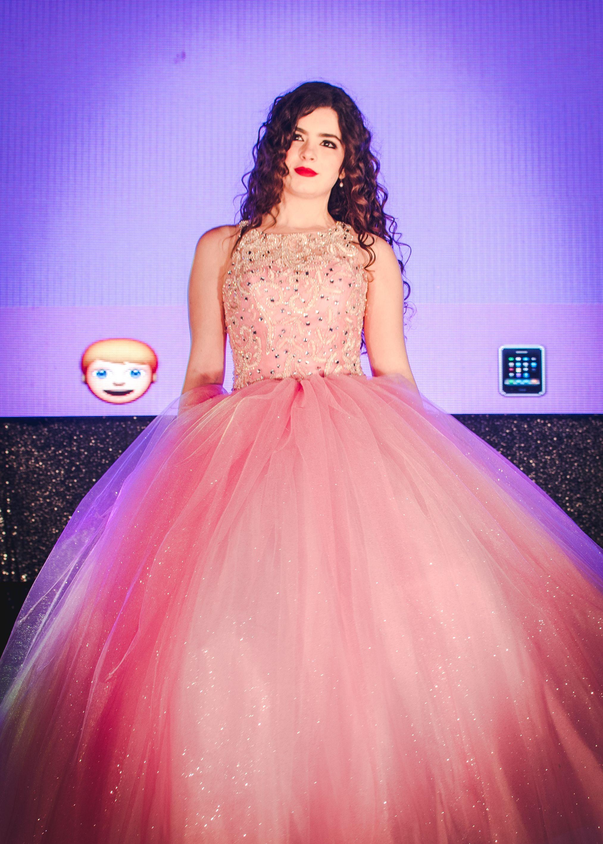 Encantador Emo Vestidos De Baile Bosquejo - Colección de Vestidos de ...