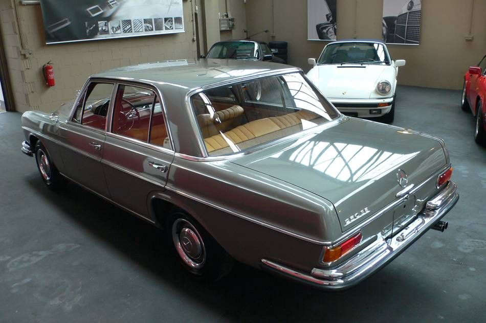 "Mercedes Benz ""Arab Grey"""