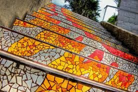 Resultado de imagen de escaleras con mosaicos