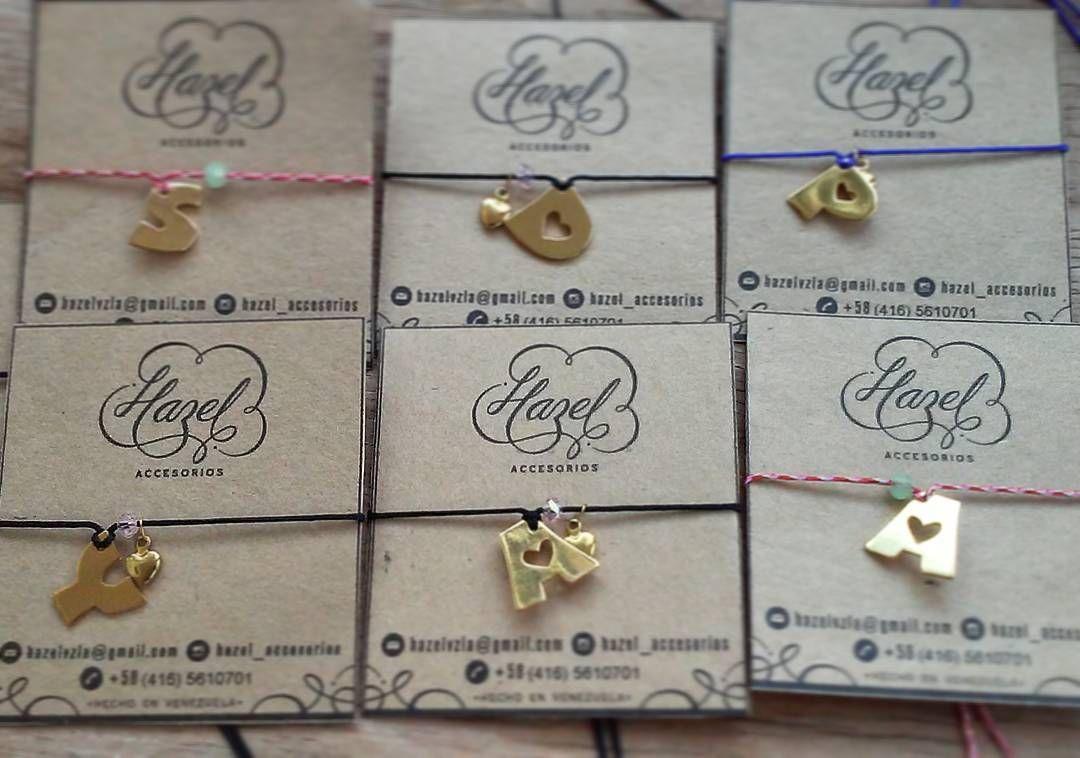 Hermosas Inciales - Disponibles hoy  en @bazarmas de 12pm a 9pm - Entrada Libre y Punto de Venta  #Hazelaccesorios #hechoamano #hechoenvenezuela #orfebrería #bañodeoro #talentovenezolano #handmadejewelry #madeinvenezuela #personalizado #personalizedjewelry #maracaibo #cadenas #necklace #regalo #sanvalentin #gift #regalo #valentineday by hazel_accesorios