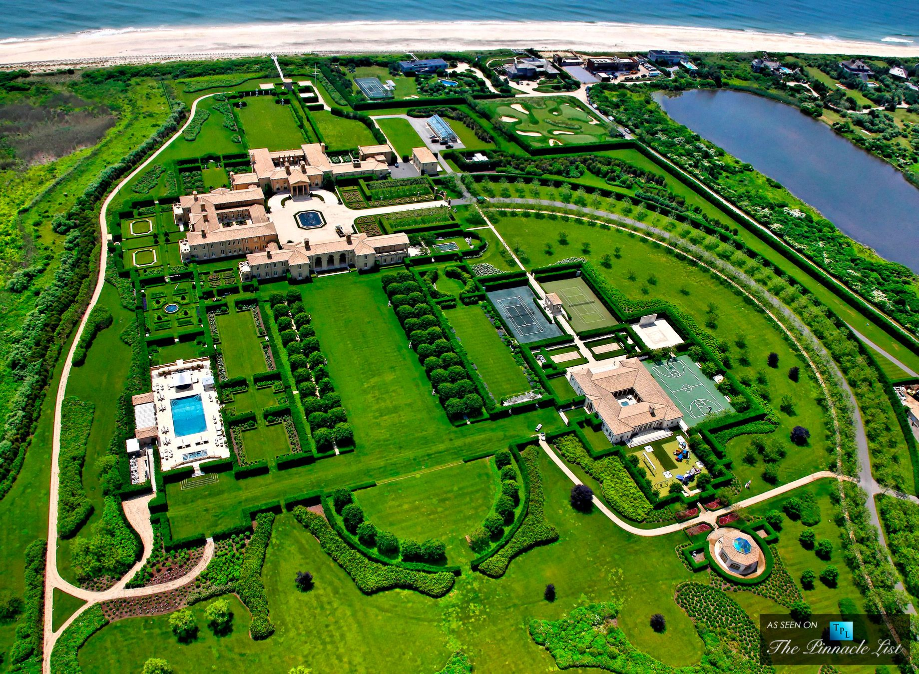 Billionaire Ira Rennert S 200 Million Hamptons Mansion One Of The Largest Homes In America The Pinnacle Li Billionaire Homes Expensive Houses Fancy Houses