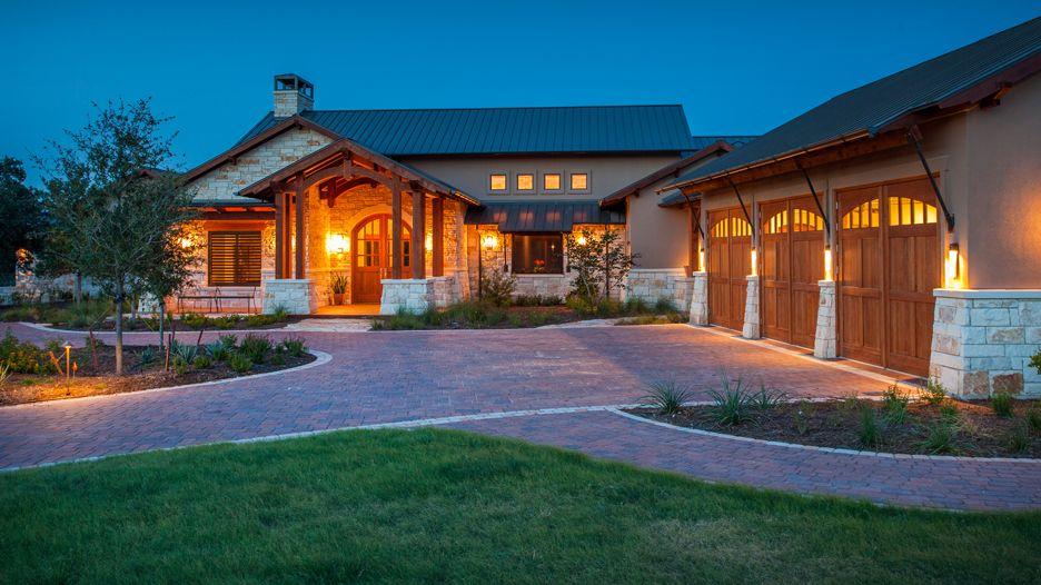Austin Hybrid Home. Timber
