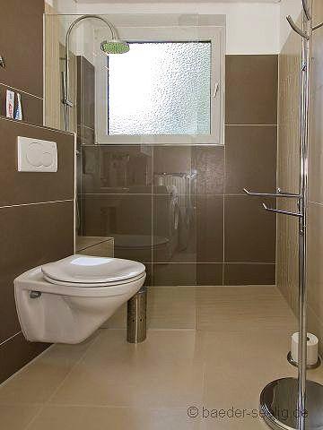 dusche vor dem fenster 3 haus pinterest badsanierung b der und badezimmer. Black Bedroom Furniture Sets. Home Design Ideas