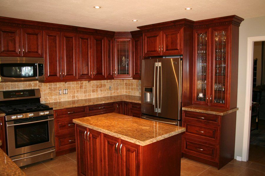 mahogany maple kitchen cabinets u shaped kitchen with small island mahogany stained maple 7323