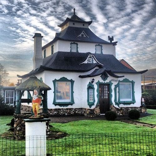 Cool Gnome House Belgium Its Sort Of Like A Cross Between A Download Free Architecture Designs Rallybritishbridgeorg