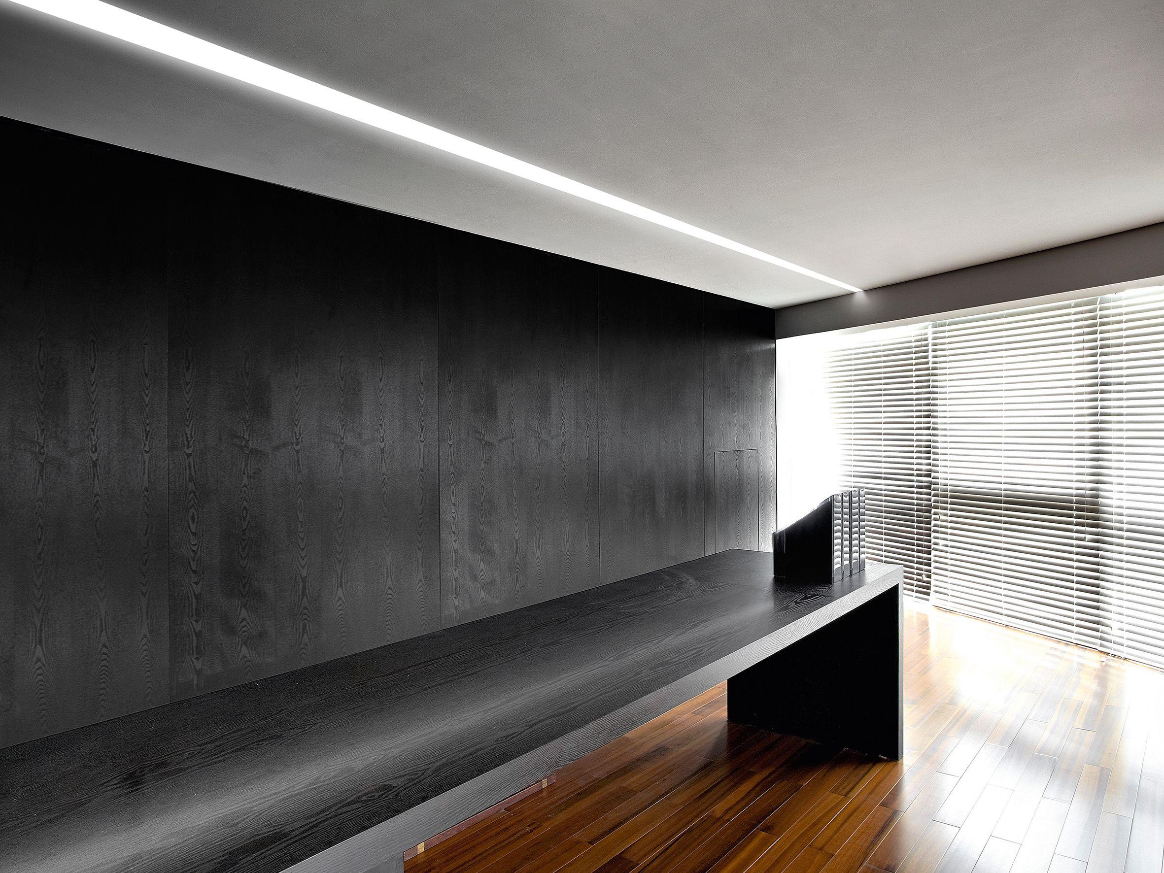 Ovvio Tavoli Da Giardino.Minimalism Modularity And Ease Of Installation Characterize Ovvio