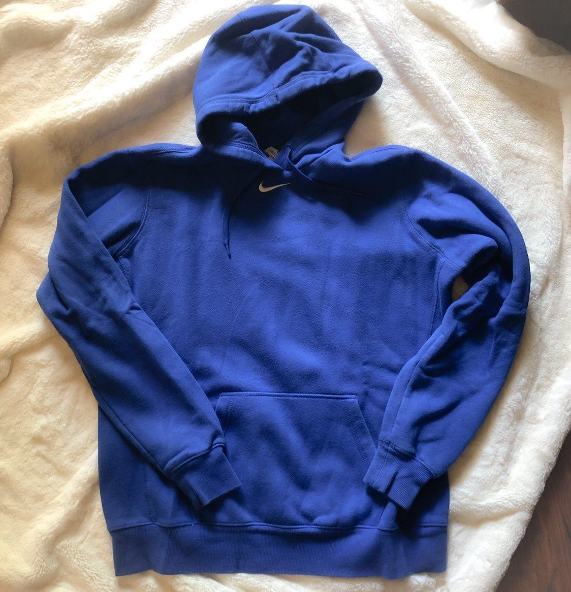 Royal Blue Team Color Nike Women S Hoodie Size Xl Fitted Athletic Style Hoodies Womens Hoodies Athletic Fashion [ 1166 x 1124 Pixel ]
