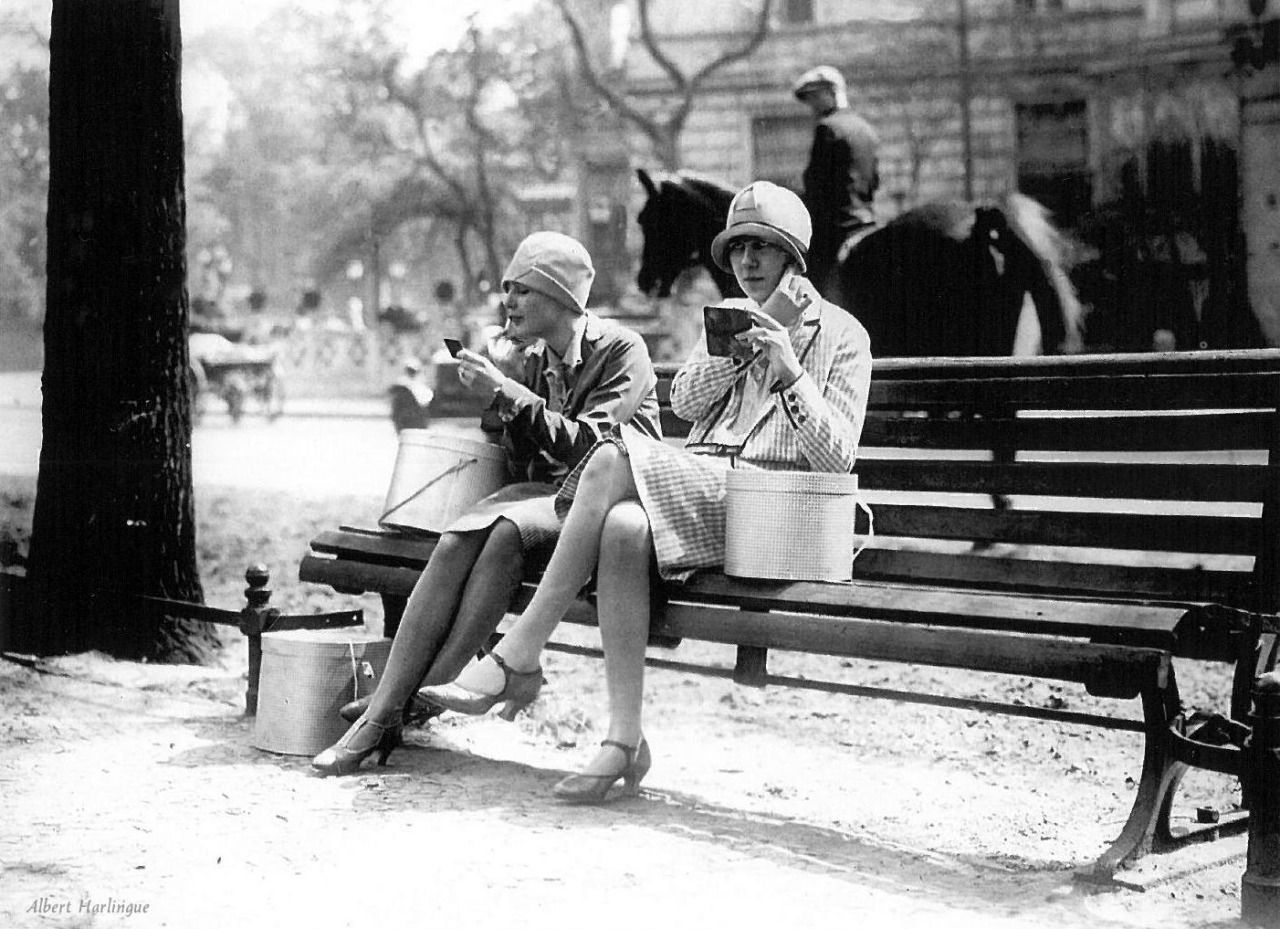 chamade vintage french photos mimbeau elegant women paris circa 1930 albert copains. Black Bedroom Furniture Sets. Home Design Ideas