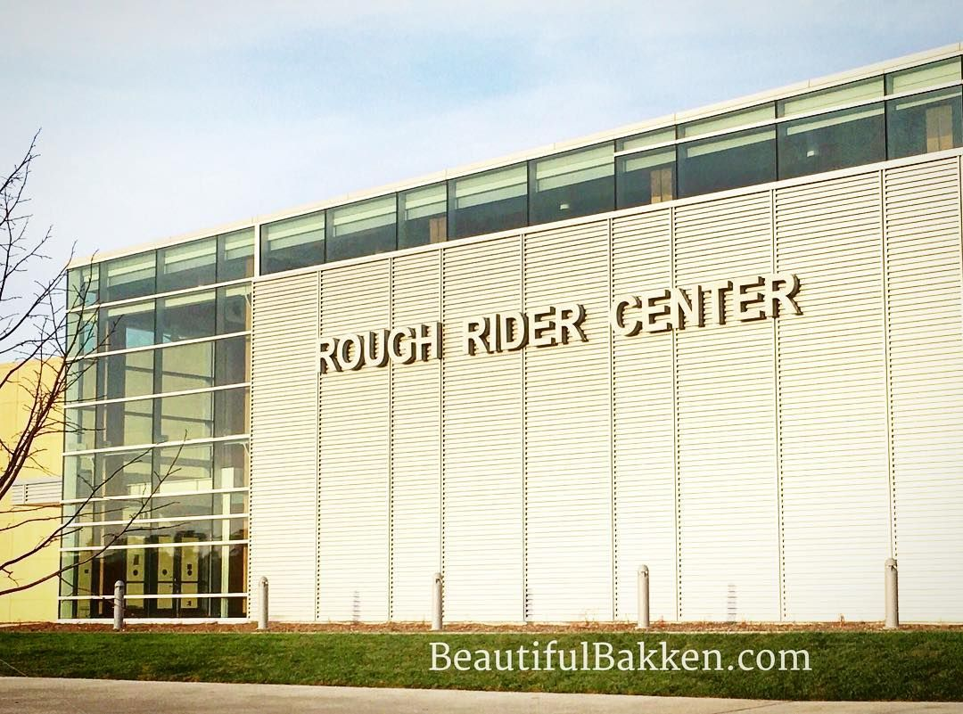 Good things happen at this world class event center. What a hidden gem!!! Go there!  #watfordcity #ndlegendary #northdakota #roughridereventcenter #concerts #watersports #hockey #theater #conventions #coffee #beautifulbakken #sidehackmary  http://bit.ly/2kb4vdz