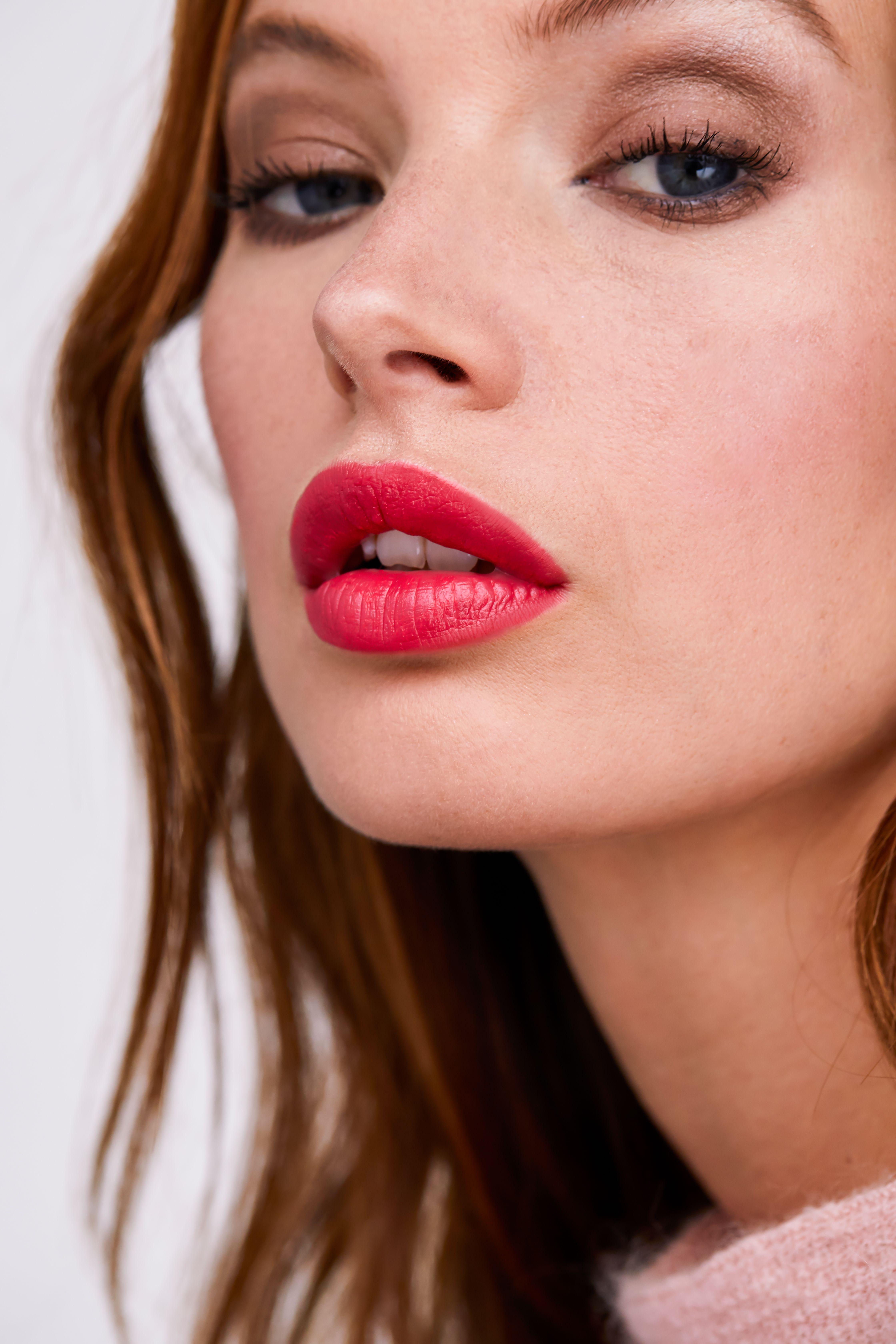 Mona wears Lip Vibes in Be Fearless Lips, Best makeup