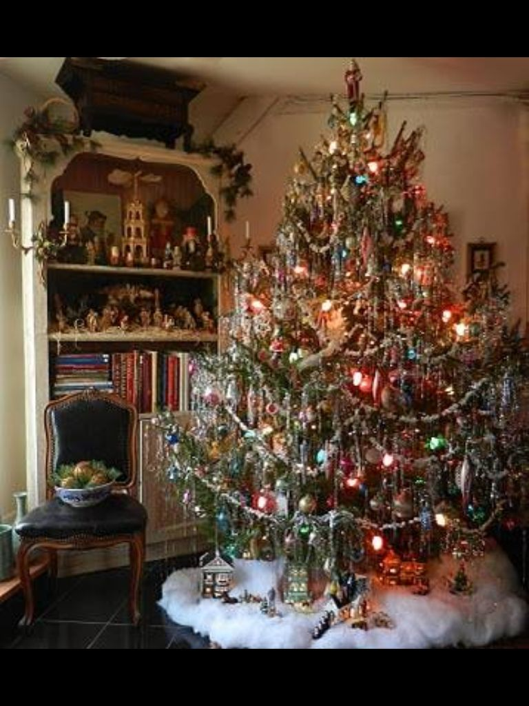 Awesome Tree And Bookcase Old Fashion Christmas Tree Christmas Magic Christmas Tree Lighting
