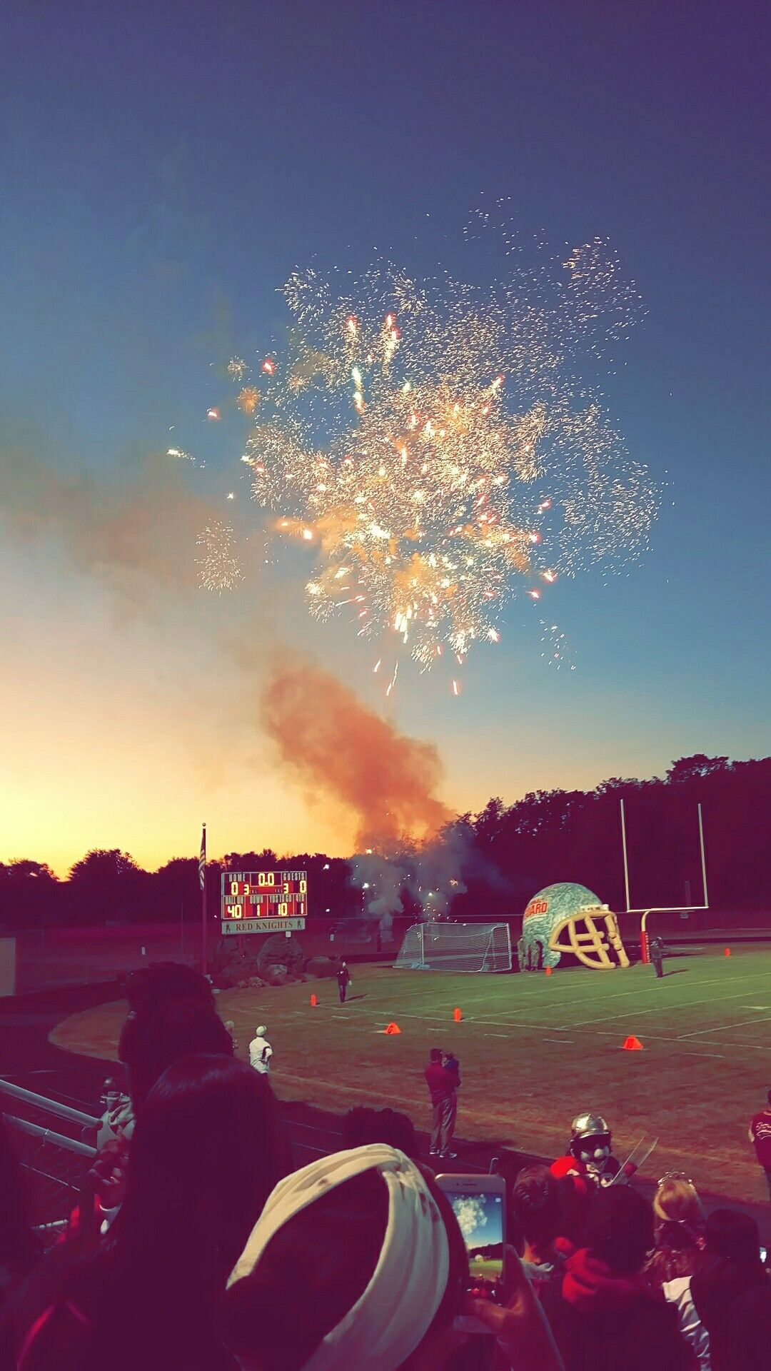 Football Games 🏈PINTEREST doyiiin 🏈 fall highschool