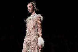 Resultado de imagen para moda pasarela año 2016