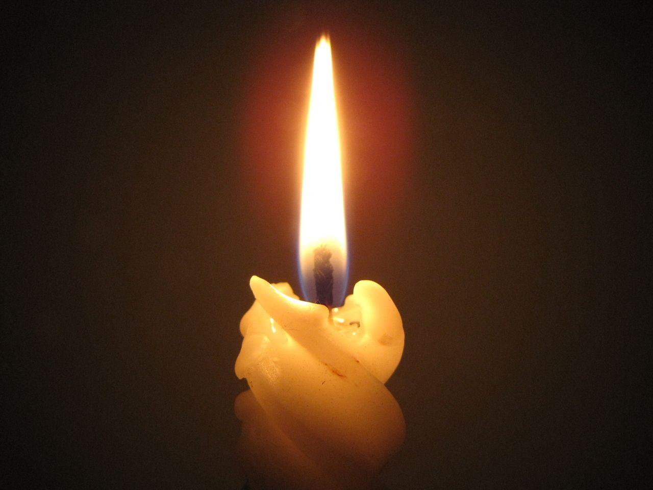 Cool burning candle desktop image for Cool candlesticks